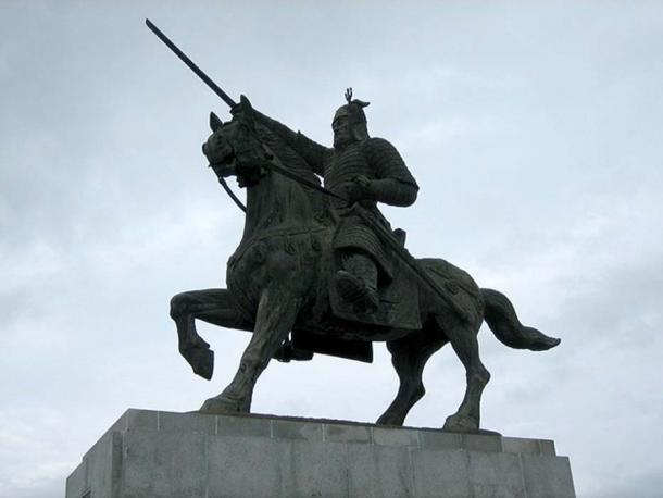 Il monumento al generale Kim Yu-shin