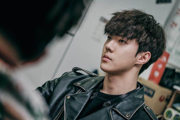 Sehun  nel drama Rewind Dokgo